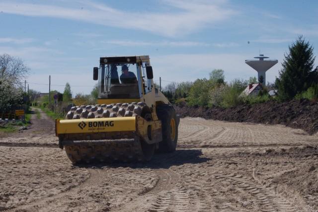 Budowa obwodnicy Tarnobrzega potrwa do lipca 2022 roku. Drogę buduje firma Strabag. Wartość umowy podpisanej z miastem to 48,8 miliona złotych.
