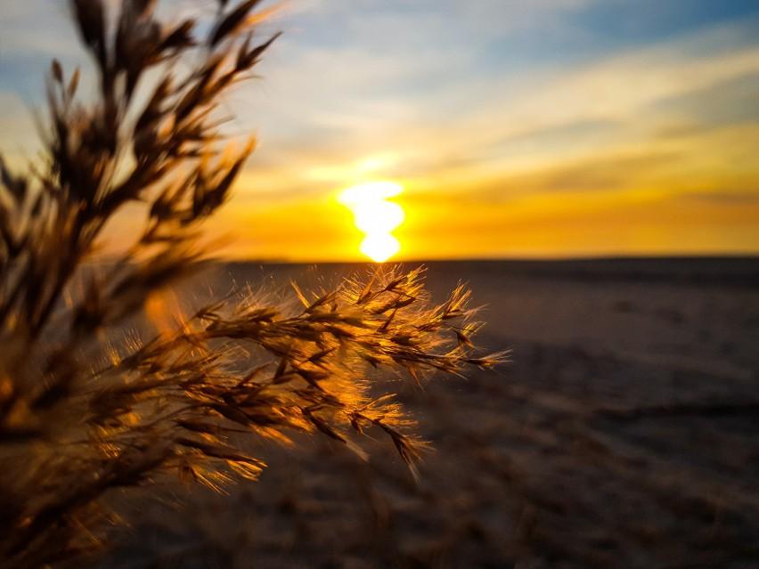 Niesamowity zachód słońca nad morzem w Dziwnowie. Zobacz zdjęcia!