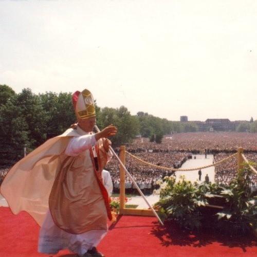 Jan Paweł II jako papież odwiedził Szczecin tylko raz. Dla miasta i jego mieszkańców była to historyczna chwila.