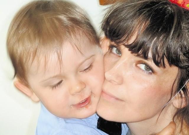 - Od pierwszych chwil życia mój synek miał robionych mnóstwo zdjęć. Najwięcej w pierwszym roku życia, bo wtedy najbardziej się zmieniał - opowiada pani Agnieszka (na zdjęciu), mama prawie 3-letniego chłopca