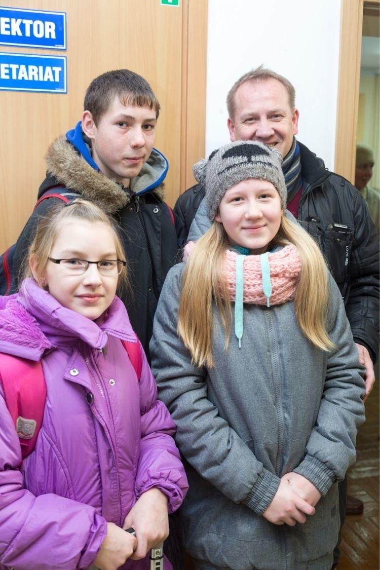 Zaprosiliśmy te dzieci z dobroci serca, która jest w każdym człowieku - mówi Andrzej Borowski (na zdjęciu z prawej).