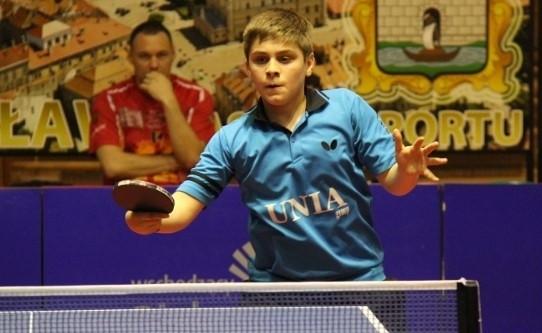 Samuel Kulczycki (Olimpia-Unia Grudziądz)  jest mistrzem Polski kadetów z 2015 i 2016 r. Wygrał w Jarosławiu Grad Prix Polski Juniorów.