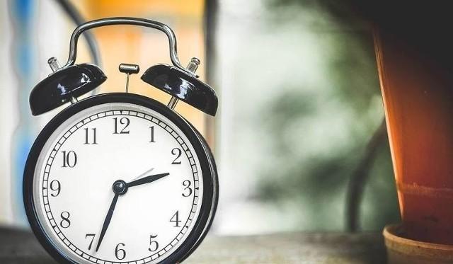 Zmiana czasu marzec 2018. Kiedy zmieniamy czas zimowy na letni? Kiedy przestawiamy zegarki? [21.03.2018]