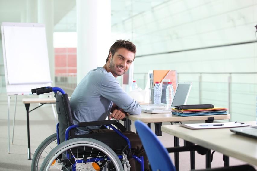 Prawa i przywileje niepełnosprawnych pracowników. Jakie uprawnienia pracownicze przysługują osobom niepełnosprawnym?