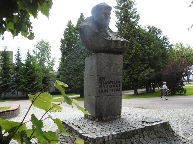 Kpt. Wysocki, który ma pomnik w Bielsku pozostał patronem ulicy.