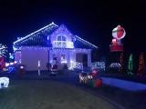 Małżeństwo z Opola przyozdobiło dom rekordową liczbą światełek! Mają aż 50 tysięcy kolorowych lampek [ZDJĘCIA]
