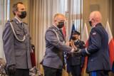 Małopolska. Bohaterowie w policyjnych mundurach zostali wyróżnienia za ratowanie ludzkiego życia [ZDJĘCIA]