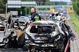 Śmiertelny wypadek pod Szczecinem w okolicy węzła Kijewo na S3. Pożar kilku aut, są ofiary śmiertelne [ZDJĘCIA]
