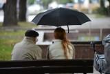 Ciągle pada deszcz. W woj. śląskim stany ostrzegawcze na rzekach. Strażacy interweniowali 56 razy