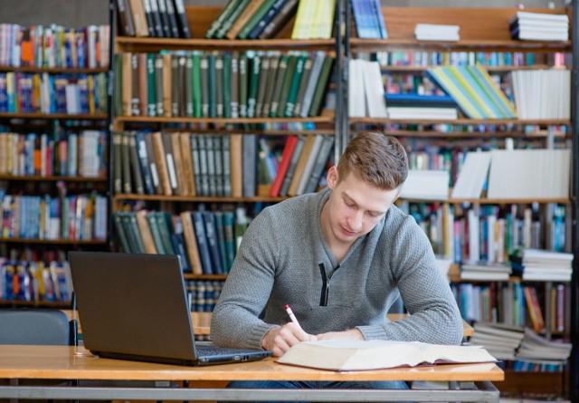 Polskie uczelnie uszczelniają procedury antyplagiatowe - m.in za pieniądze z Unii Europejskiej, rozdzielane przez ekspertów podległych Ministerstwu Nauki i Szkolnictwa Wyższego.