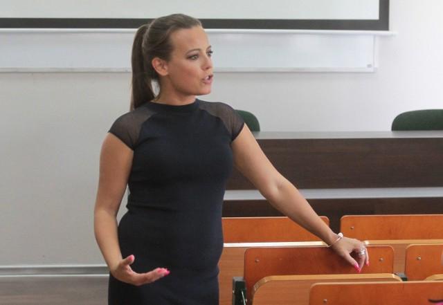 """Anna Mucha w Radomiu. Wykład otwarty """"Aktor czy celebryta""""."""
