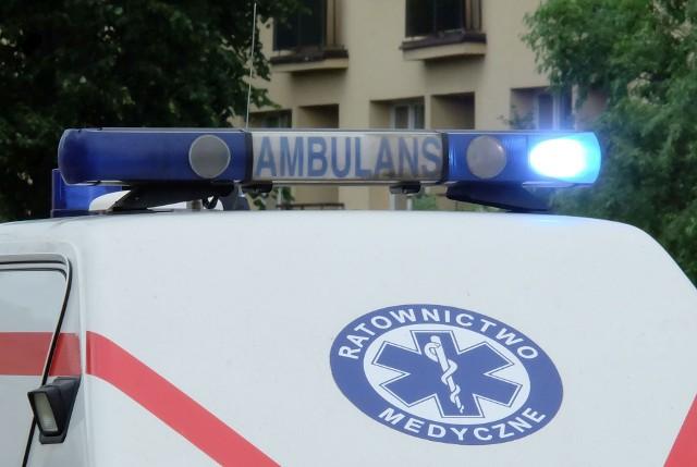 Wypadek motocyklisty na Wysockiego w Białymstoku. Taksówka zderzyła się yamahą. Motocyklista trafił do szpitala