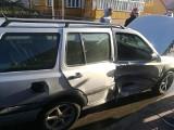 Wypadek w Janowie. Fiat zderzył się z volvo (zdjęcia)