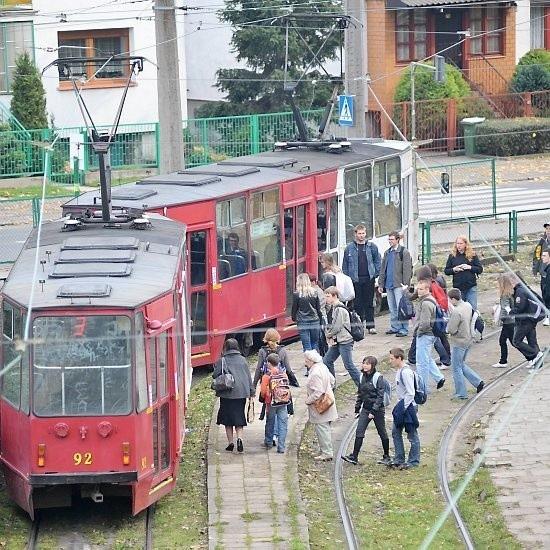 Zdecydowana większość mieszkańców Piasków nie wyobraża sobie życia bez tramwajów, ale brakuje im autobusów