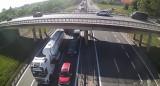 Potężne utrudnienia po wypadku na obwodnicy Trójmiasta. Auto osobowe uderzyło w ciężarówkę 11.06.2021