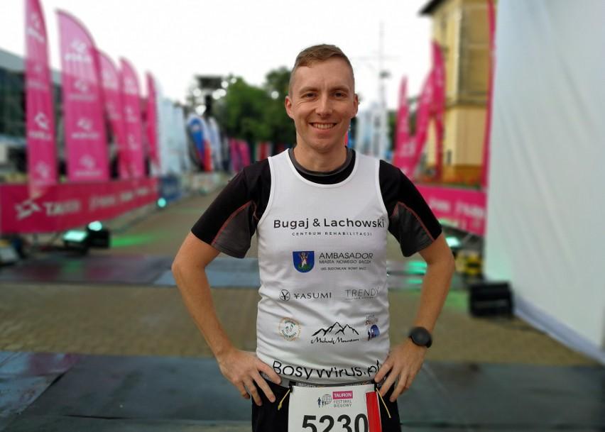 Karol Trojan przed startem w Koral Maratonie