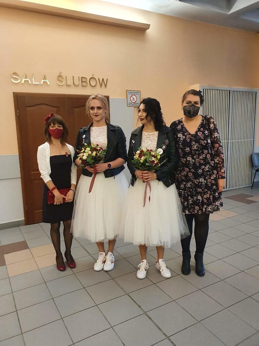 Ślub dwóch kobiet w Łodzi. Kasia i Aleksandra w USC...