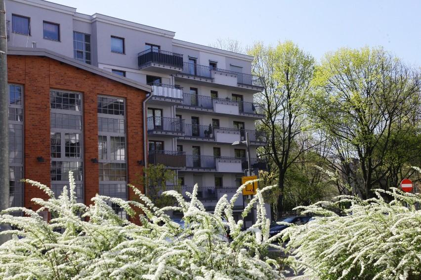Rosnące ceny mieszkań zachęcają Polaków m.in. do zakupu...