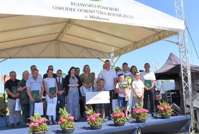 Podczas Krajowych Dni Pola w Minikowie nagrody laureatom wręczała m.in.: Anna Gembicka, wiceminister rolnictwa