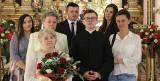 Ksiądz Sebastian Flak odprawił mszę świętą prymicyjną w Sanktuarium w Piekoszowie. Było też specjalne błogosławieństwo [ZDJĘCIA]
