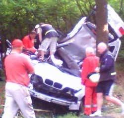 W tym BMW zginęły dwie osoby