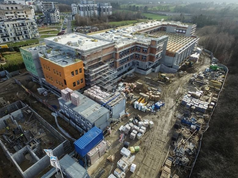 Tam prace przy budowie szkoły na Węglinie wyglądały na początku stycznia. Lekcje mają się tu rozpocząć 1 września