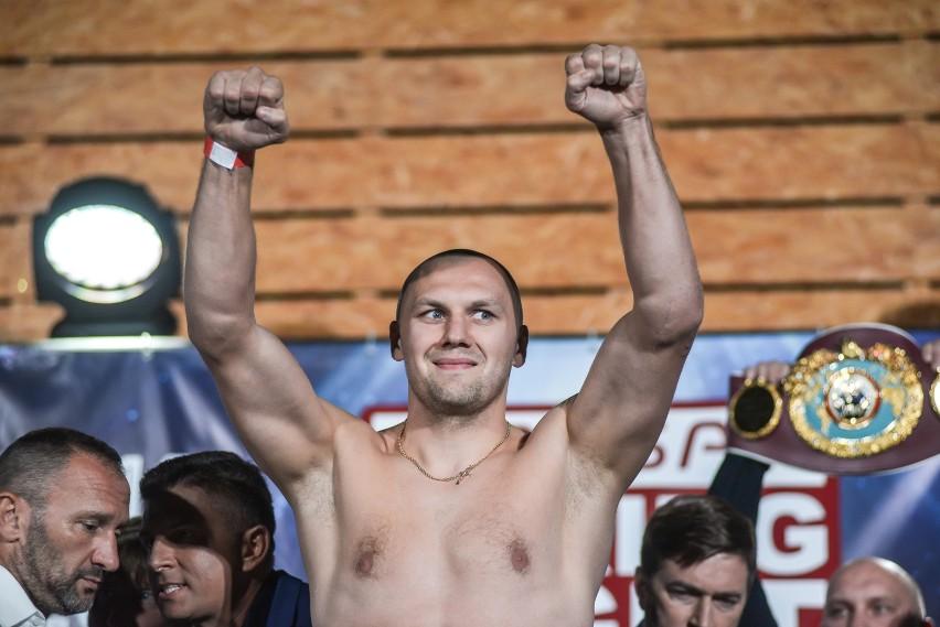 """Polsat Boxing Night. Krzysztof Głowacki nie chce walczyć z """"kelnerem"""" [WIDEO]"""