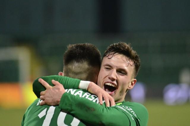 Warta Poznań zanotowała kolejną wygraną w Fortuna 1. Lidze i nadal jest na miejscu premiowanym awansem do PKO Ekstraklasy. Do rozegrania pozostało jeszcze 10 kolejek.