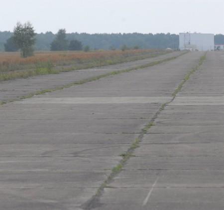 Gmina chce sprzedać pas startowy i tereny dookoła za 150 mln zł.