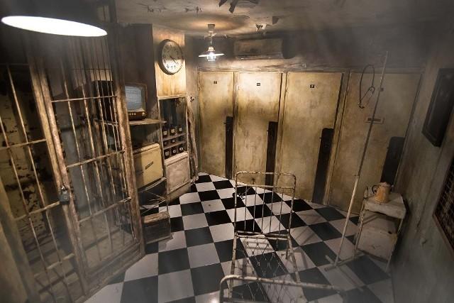 Branża escape roomów przeszła długą drogę od prostych pokoi do stale rosnącej ilości pokoi tzw. 3 generacji, czyli escape roomów zaawansowanych technologicznie, scenograficznie, wielopoziomowych i z efektami audio-wizualnymi.
