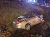 Groźnie wyglądający wypadek na obwodnicy Olkusza. W wyniku zderzenia jednemu z pojazdów wypadł silnik!