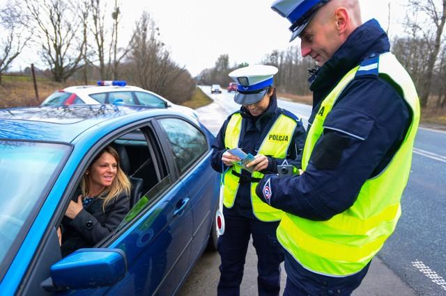 Łódzcy policjanci tygodniowo łapią od dwóch do pięciu właścicieli samochodów, którzy nie mają wykupionego obowiązkowego ubezpieczenia