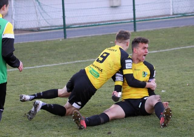 W sobotę 10 kwietnia Siarka Tarnobrzeg zagra na własnym boisku mecz grupy czwartej piłkarskiej trzeciej ligi przeciwko ŁKS Probudex Łagów. Sprawdź nasz przewidywany skład tarnobrzeskiej drużyny na ten pojedynek!