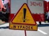 Wypadek na drodze krajowej nr 6 w okolicach Koszalina. Samochód osobowy zderzył się z ciężarówką