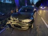Wypadek na drodze wojewódzkiej 214 3.03.2021 r. Zderzyły się 4 samochody, jedna osoba trafiła do szpitala