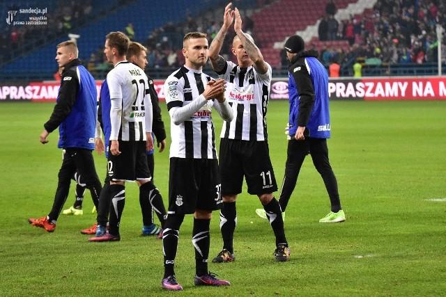Bartłomiej Dudzic z Sandecją występował w rozgrywkach ekstraklasy. Tutaj po meczu z Wisłą w Krakowie zakończonym porażką 0:3