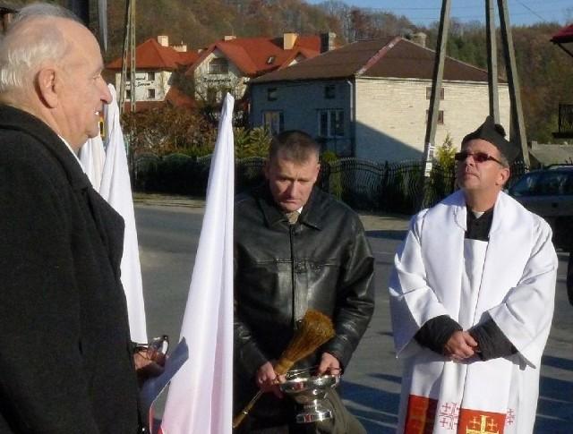 Wacław Zdonek przypomniał, że tego typu figury chronią ludzi przed złymi zdarzeniami.