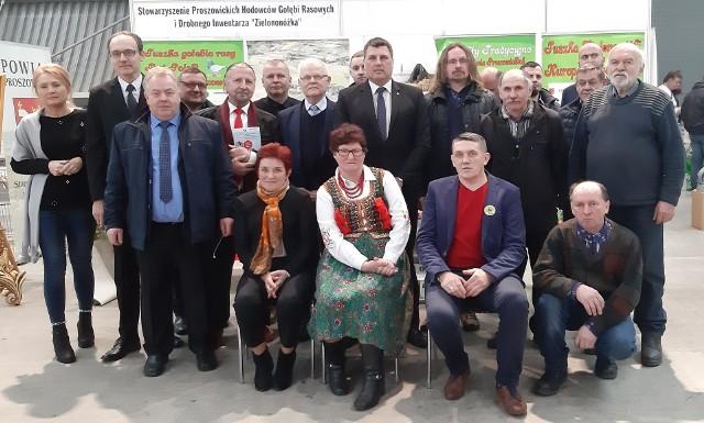 Delegacja z Proszowic na wystawie w Kielcach
