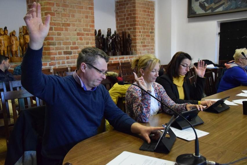 Rada miejska w Byczynie spotkała się na sesji już 8 razy. Do tego dochodzą posiedzenia komisji. Rajcy są zatem naprawdę zapracowani.