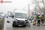 Wypadek w gminie Kocmyrzów-Luborzyca. Droga została całkowicie zablokowana po zderzeniu trzech samochodów
