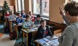 Szkoła wolna od smartfonów? W Bydgoszczy to już się dzieje