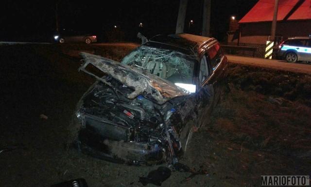 Przed godziną 1 doszło do poważnego wypadku w Gnojnej koło Grodkowa.