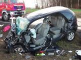 Wypadek w Nowej Łobiance. Jedna osoba nie żyje, dwie trafiły do szpitala [ZDJĘCIA]