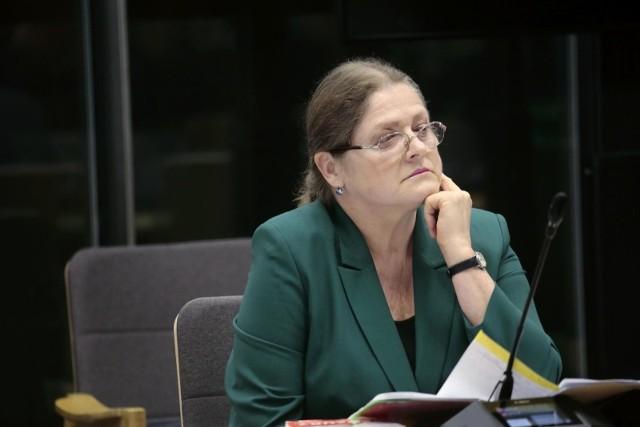 Komentarze po wyjeździe Krystyny Pawłowicz do hotelu Malinowy Zdrój. Lewica domaga się zrzeczenia urzędu sędziego Trybunału Konstytucyjnego