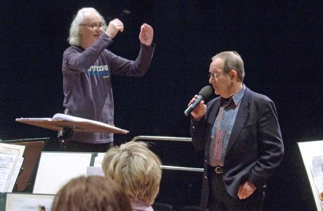 Andrzej Dąbrowski podczas próby w Filharmonii Koszalińskiej.