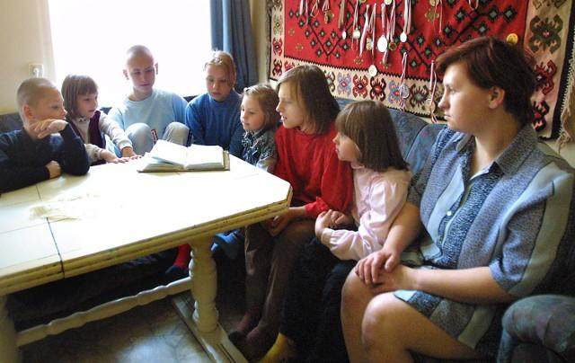 Czworo z siedmiorga dzieci wymaga specjalnej opieki.