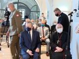 Wicepremier Piotr Gliński na Suwalszczyźnie. Minister kultury rozpoczął wizytę w klasztorze na Wigrach [Zdjęcia]