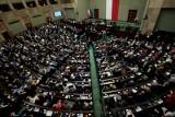 Najnowszy sondaż. Ponad 38 procent Polaków uważa, że parlament nie dotrwa do końca kadencji w 2023 roku