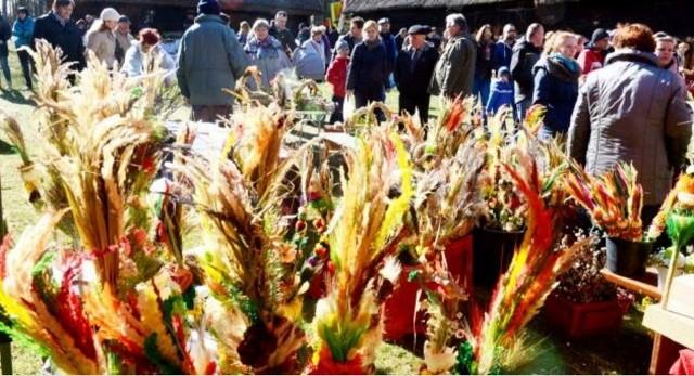 Co roku jarmark wielkanocny odwiedzają tłumy zielonogórzan