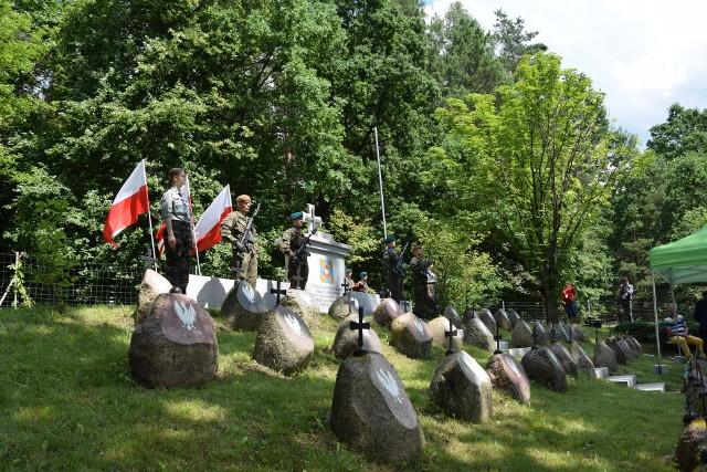 We środę (7.07) w 190. rocznicę bitwy pod Sokołdą na Kopnej Górze odbyły się uroczystości upamiętniające poległych żołnierzy. Odprawiono mszę świętą i złożono kwiaty na mogiłach powstańczych. W uroczystościach wzięli udział przedstawiciele wszystkich szczebli władzy samorządowej, duchowieństwa i wojska, a także innych służb mundurowych.
